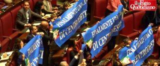 Legittima difesa, la Camera approva. Ovazione Lega e cartelli di Forza Italia, M5s in silenzio. E il Pd lo applaude sarcastico