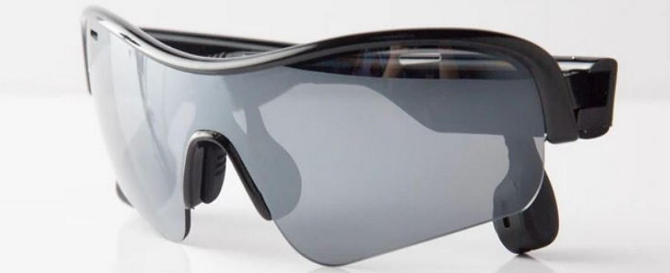 Occhiali da sole con cuffie a conduzione ossea, una soluzione per gli sportivi moderni