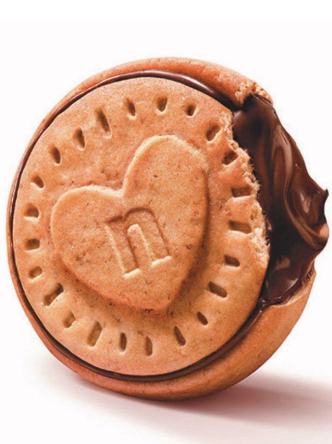Nutella lancia i suoi nuovi biscotti ripieni ma saranno disponibili solo in Francia