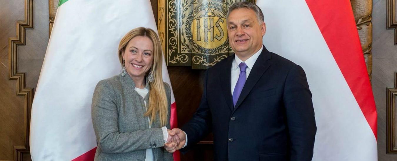 """Elezioni Ue, Orban verso l'uscita dai popolari. Berlusconi: """"Ti ho sempre difeso, ma accetta richieste del Ppe"""""""