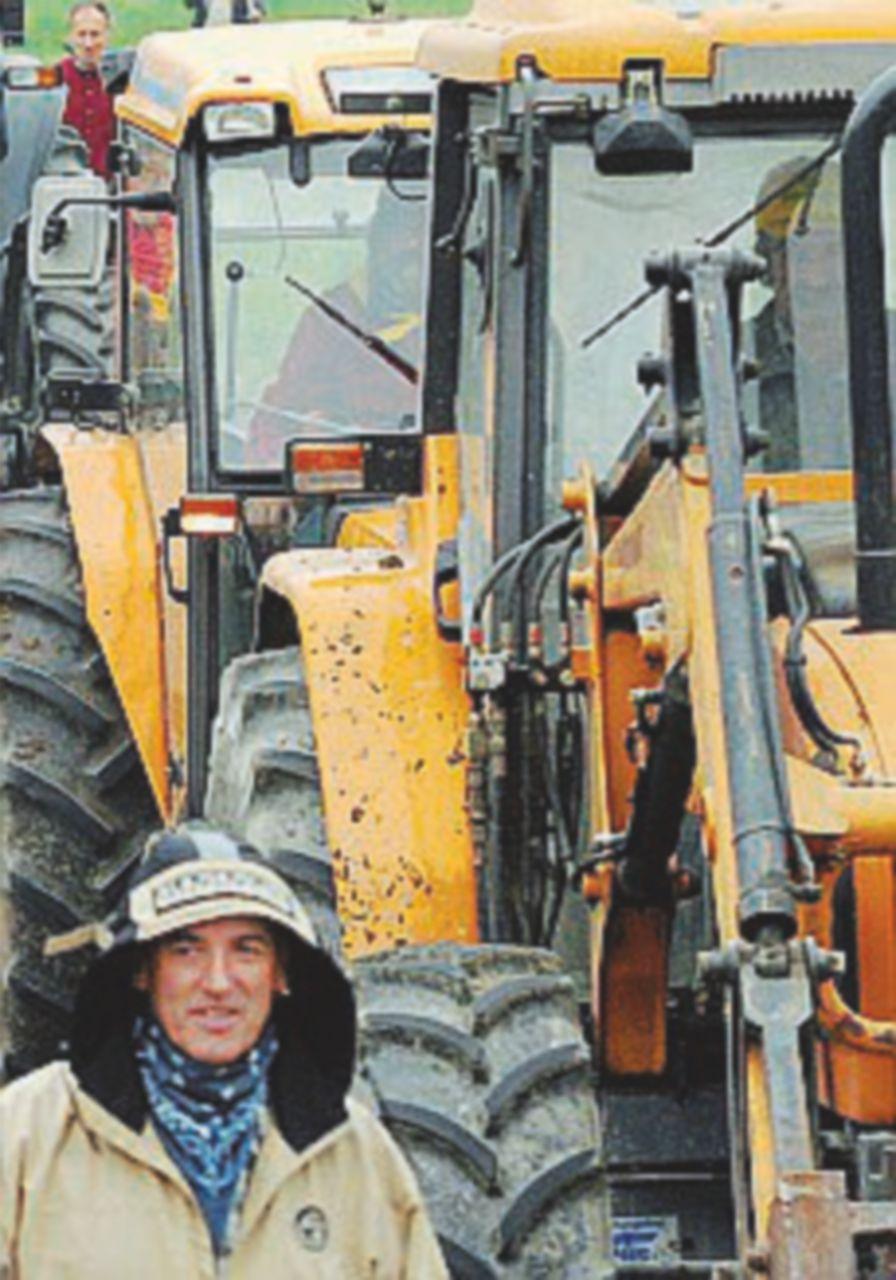 Agricoltura, si apre il fronte in Sicilia: trattori in strada