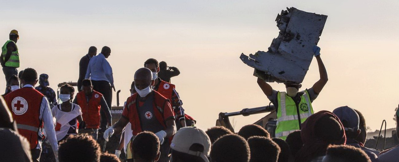 Aereo caduto ad Addis Abeba: stop a 737 Max 8 da Etiopia, Indonesia e Cina. Titolo Boeing crolla a Wall Street