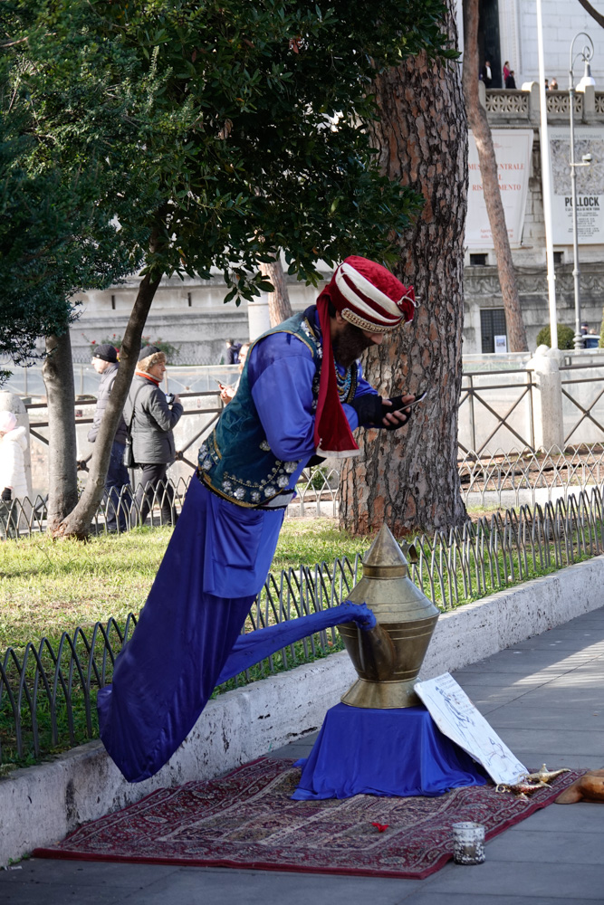 Il genio di Aladino al telefono