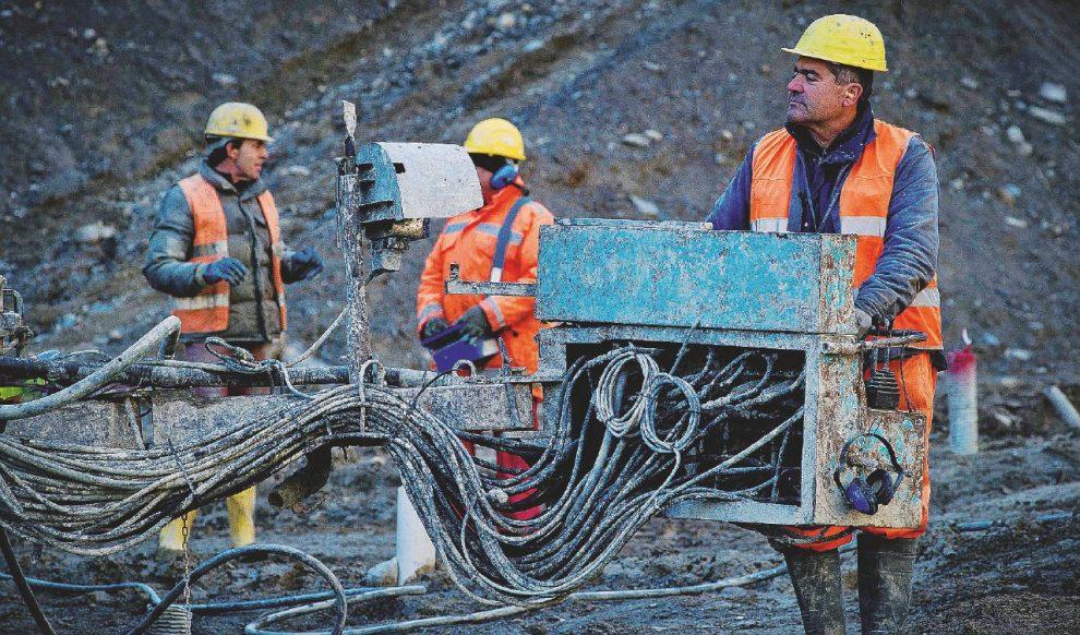 Talpa  in azione  –  Gli scavi  nel cantieri  di Chiomonte Sotto, il meteorologo Luca Mercalli  –  Ansa/LaPress