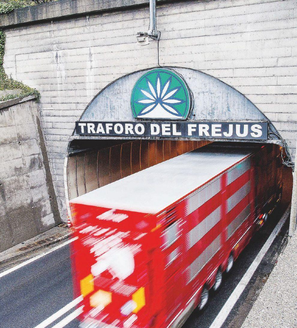 Benefici? –  Sottrarre traffico al Frejus compenserà le emissioni dei lavori nel 2047  – LaPresse