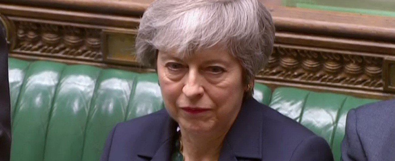 Brexit, a Londra passa la mozione contro il no deal. 'Ma serve comunque accordo'. Domani voto su rinvio dell'uscita dall'Ue