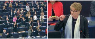 """Tajani, Zimmer (Sinistra): """"Si dimetta"""". Metà Parlamento si alza e applaude, ma il Ppe lo difende: """"Errore comunicativo"""""""