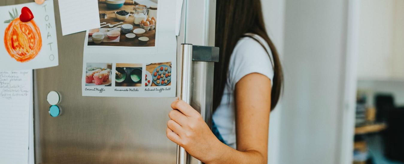 Giornata fiocchetto lilla, i disturbi alimentari si curano cominciando con una corretta informazione