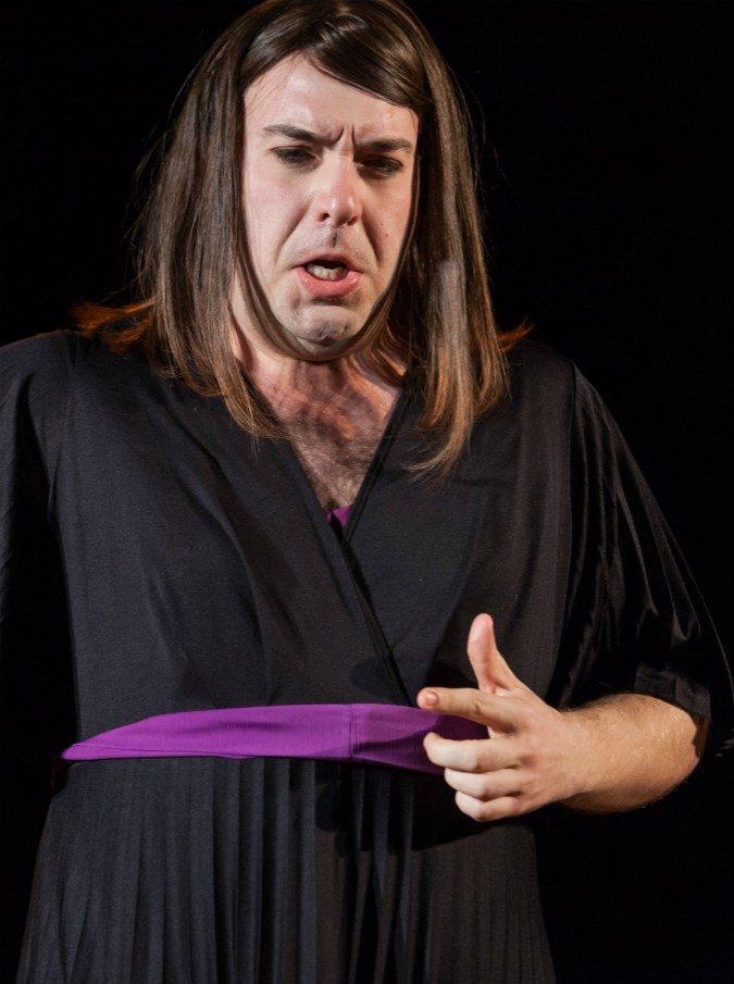 Rigoletto in parrucca e tacchi pitonati tra baby-prostitute, coca e peluche: lo scandalo di Verdi pare la Milano da bere (e anche quella di oggi)