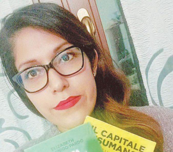 """Elizabeth, l'interprete peruviana che polemizzò con Salvini è stata """"licenziata"""" dal ministro"""