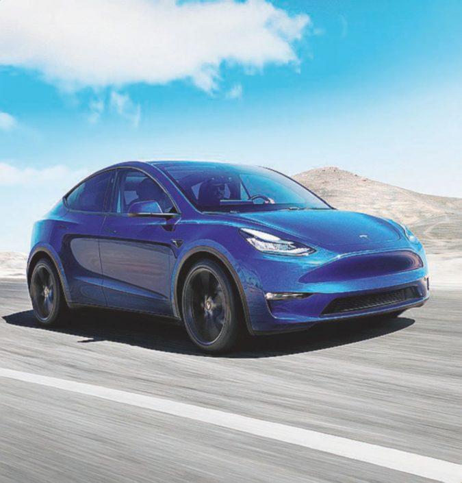 Tesla fa debuttare il crossover elettrico Model Y: 4 gli allestimenti