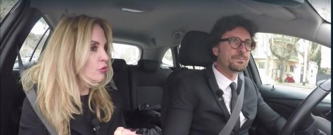 """Auto elettriche, la gaffe Toninelli: """"Al ministero auto blu a batteria. Io che macchina ho? Una Jeep Compass diesel"""""""