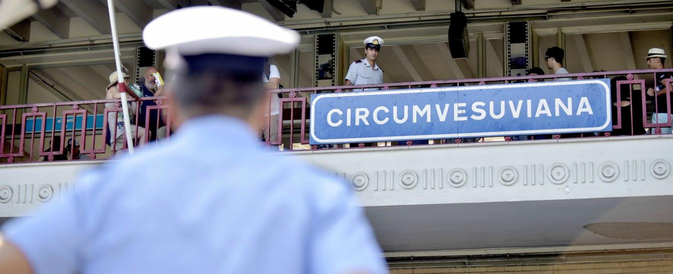 """Napoli, caos per lo sciopero sulla Circumvesuviana. L'azienda: """"Dai sindacati richieste troppo onerose"""""""