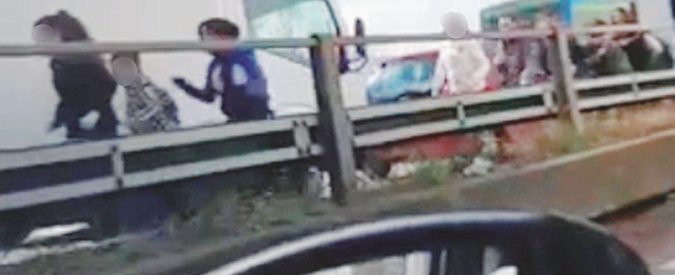 """Bus incendiato, """"Paolo"""" il solitario che non aveva collegamenti jihadisti"""