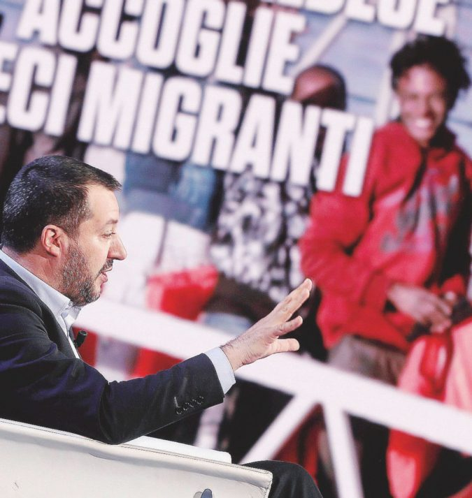 Se Salvini ha un problema, sinistra e M5S lo soccorrono