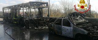 Bus incendiato, ora la politica corre a colmare i vuoti normativi sui controlli. Tanti i precedenti, tante proposte ferme
