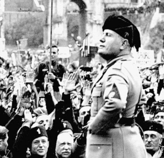 Sulla revoca della cittadinanza onoraria a Mussolini il consiglio comunale decide di non decidere