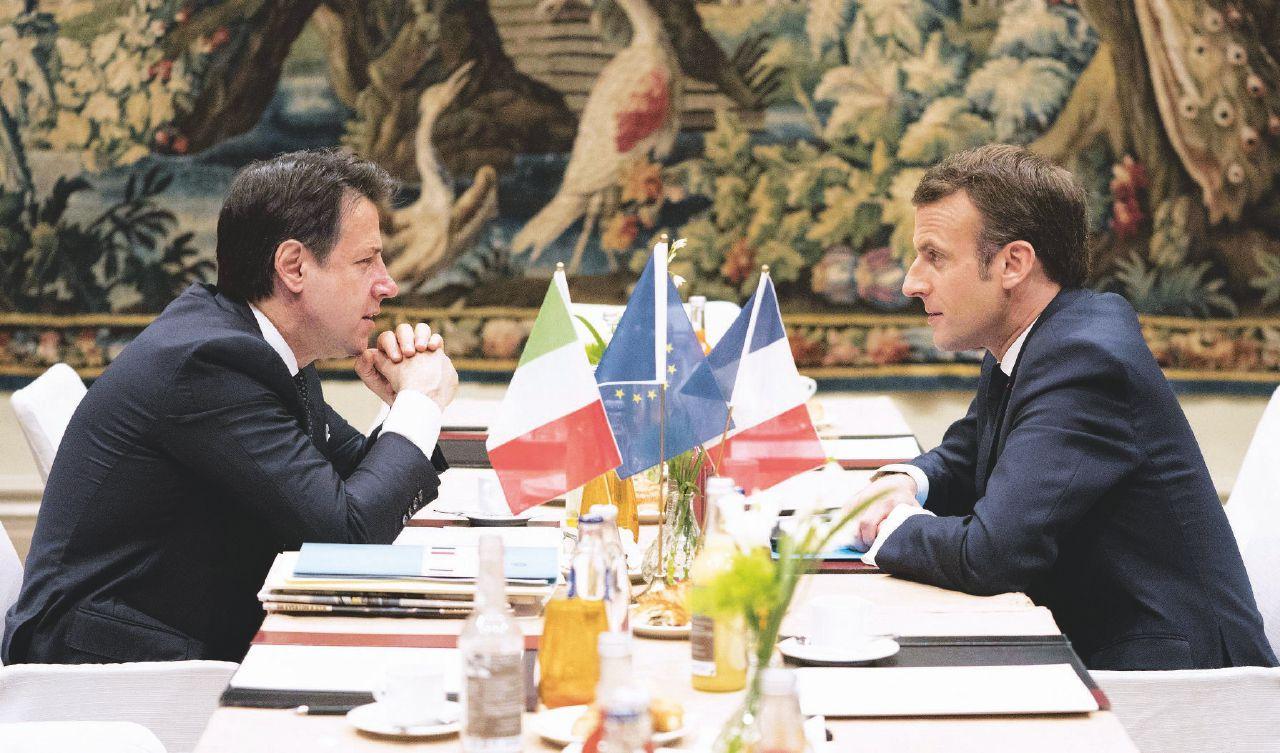 """In Edicola sul Fatto del 23 Marzo: Cina e Tav, Macron fa il furbo: """"Non ho tempo da perdere"""""""