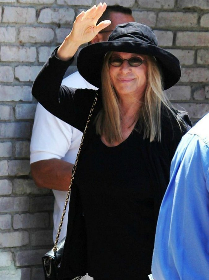 """Leaving Neverland, Barbara Streisand choc: """"Michael Jackson aveva i suoi bisogni sessuali. E non ha ucciso nessuno"""". Poi ritratta tutto"""