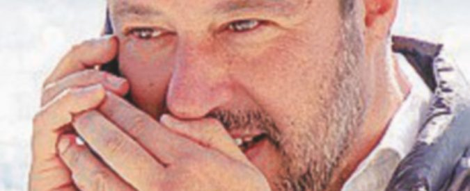 """Rimborsi banche, Salvini e M5s: """"Tria firmi il  decreto"""""""