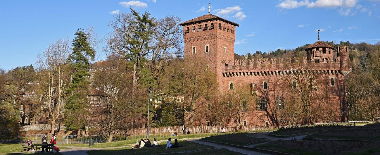Torino, abusi su una ragazza fuori da un locale nel parco del Valentino: arrestato