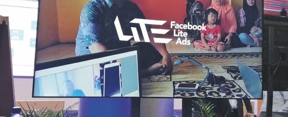 Facebook & C: così cambiano i social per non scomparire