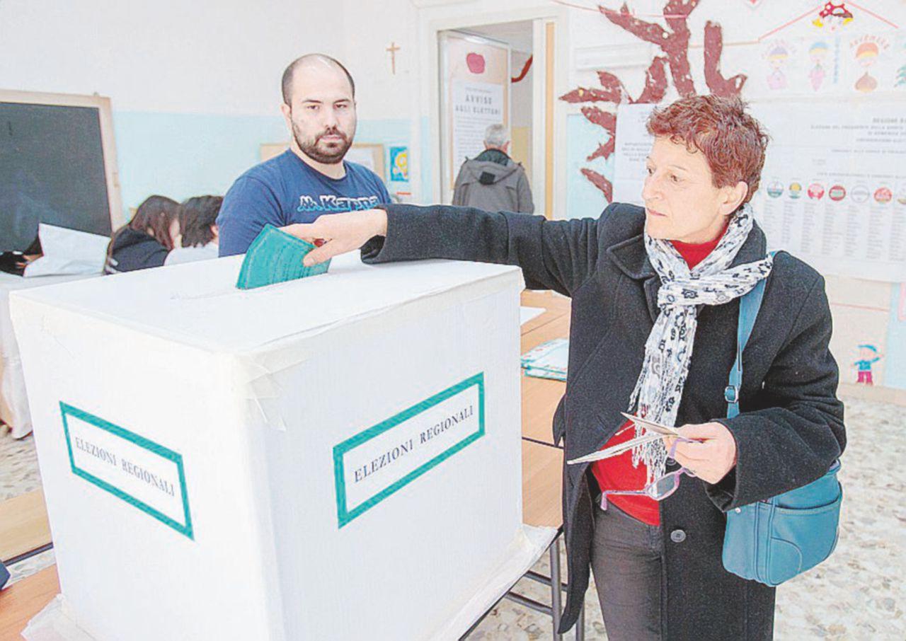 In Edicola sul Fatto Quotidiano del 25 Marzo: il centrosinistra cede anche la Basilicata a Salvini & B