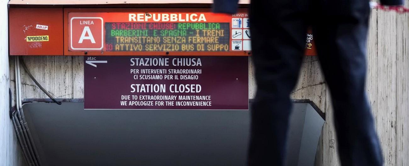 Roma, metro chiuse: sindaca Raggi revoca l'appalto alla ditta che fa manutenzione. Atac, via otto responsabili degli impianti