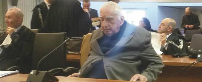 """Sangue infetto, Poggiolini e altri nove imputati assolti dall'accusa di omicidio colposo plurimo: """"Il fatto non sussiste"""""""