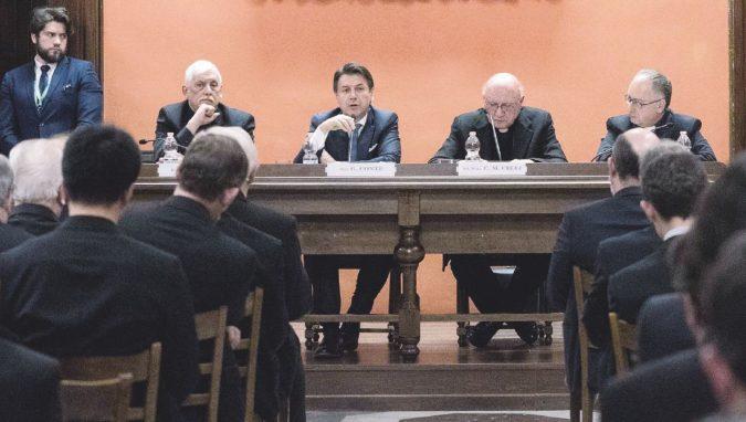 È Cina-mania: pure il Vaticano ha benedetto il comunista Xi