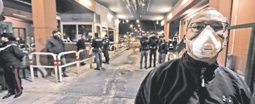 Roma brucia: rifiuti ancora in fiamme e niente telecamere