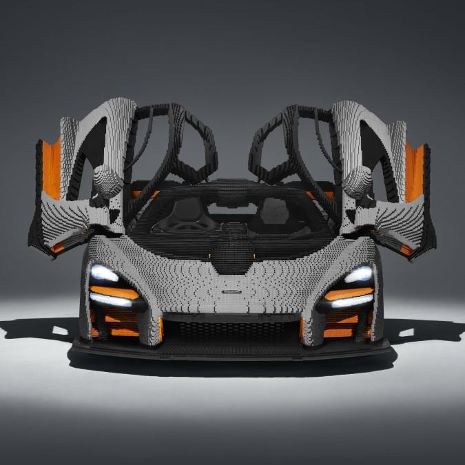 La McLaren Senna è tutta di Lego: mezzo milione di mattoncini! – FOTO