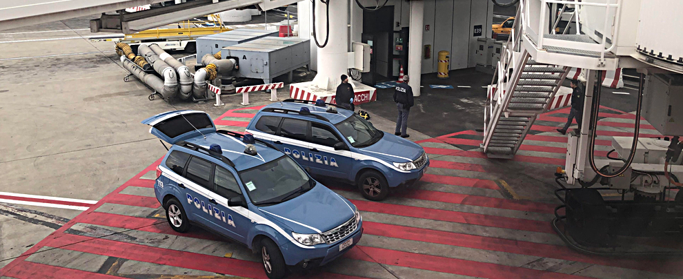 Fiumicino, scatta allerta anti-terrorismo sulla pista. Volo per gli Usa evacuato per controllare tutti i passeggeri