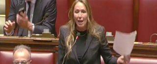 """Revenge porn, Prestigiacomo: """"Brutta pagina per il Parlamento"""". Poi l'assalto ai banchi del governo"""