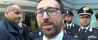 """Armi, Bonafede: """"Non voteremo mai la proposta Lega"""". E si difende: """"Non c'è alcun legame con legittima difesa"""""""