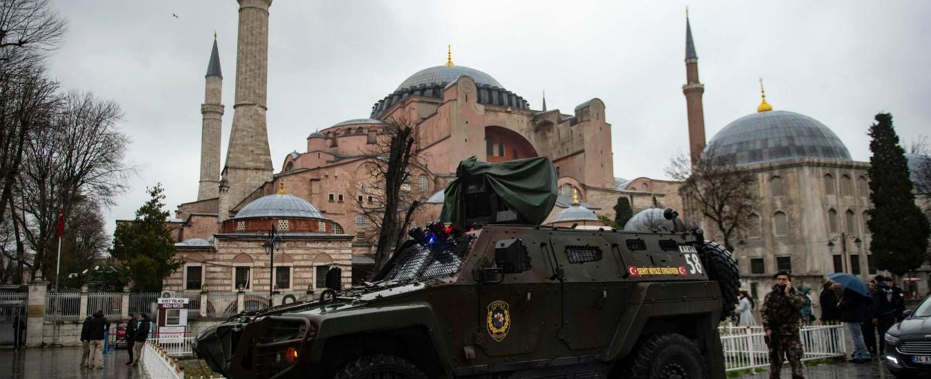 """Erdogan: """"Chiameremo moschea Santa Sofia. La Nuova Zelanda? I loro antenati venuti qui sono tornati nelle bare"""""""