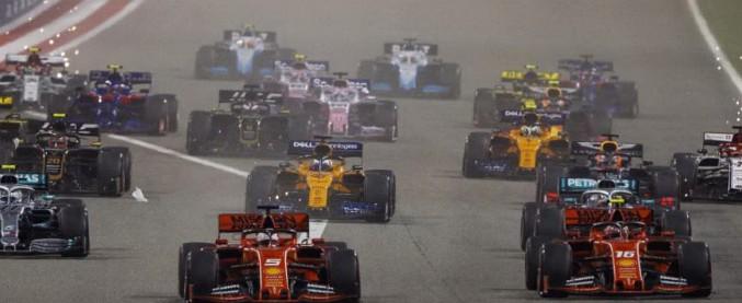 Formula 1, Lewis Hamilton vince per la terza volta il Gp del Bahrain. Terza la Ferrari di Leclerc