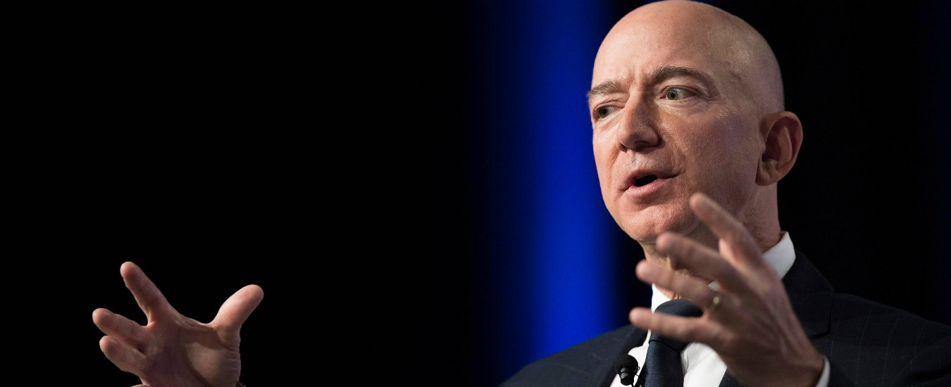 """Usa, Bezos: """"I sauditi hanno intercettato il mio telefono contrastare le indagini del Washington Post su omicidio Khashoggi"""""""