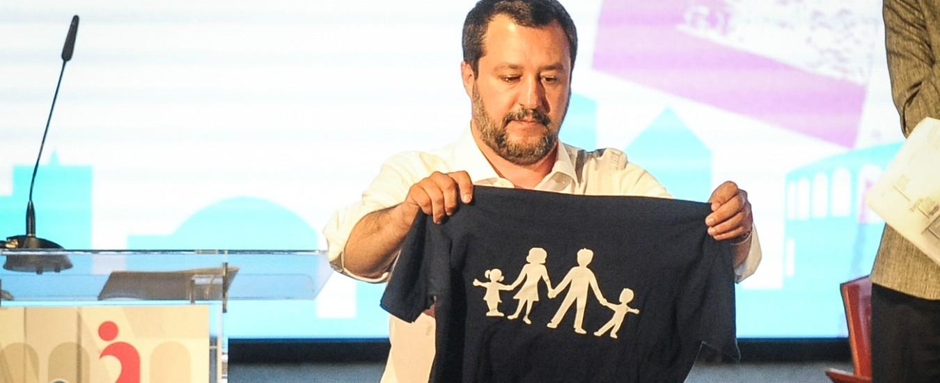 Caro Salvini, così sta negando l'identità ai bambini arcobaleno. Dove vuole arrivare?
