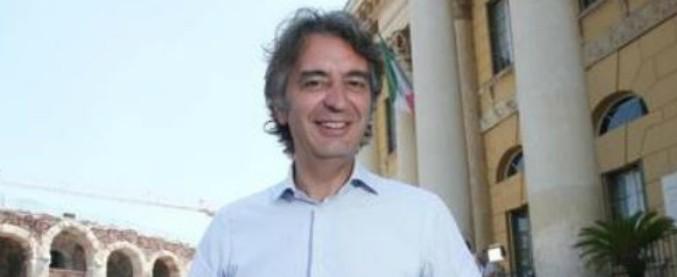 """Congresso famiglie, sindaco di Verona: """"Per Di Maio siamo sfigati? Non venga al Vinitaly, merita il Daspo urbano"""""""