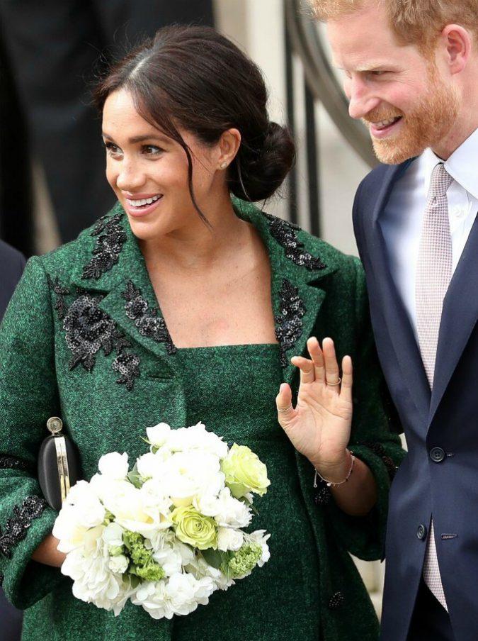 """Meghan Markle e il principe Harry, lui una modella e lei uno chef: ecco i """"triangoli"""" dei due"""