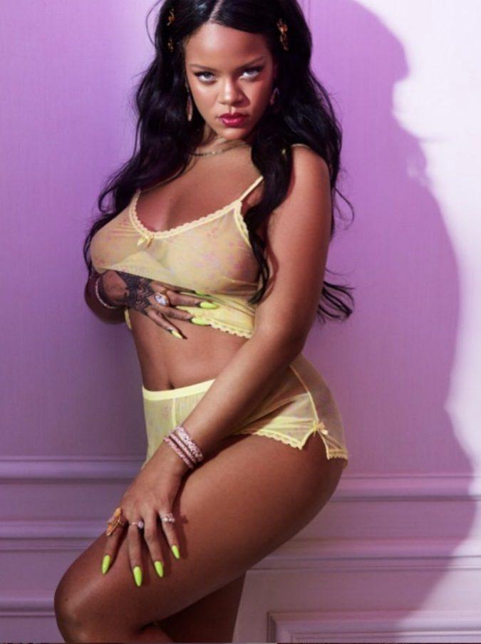 Ruba un'ostrica a Rihanna, lei gli chiede 250 sterline