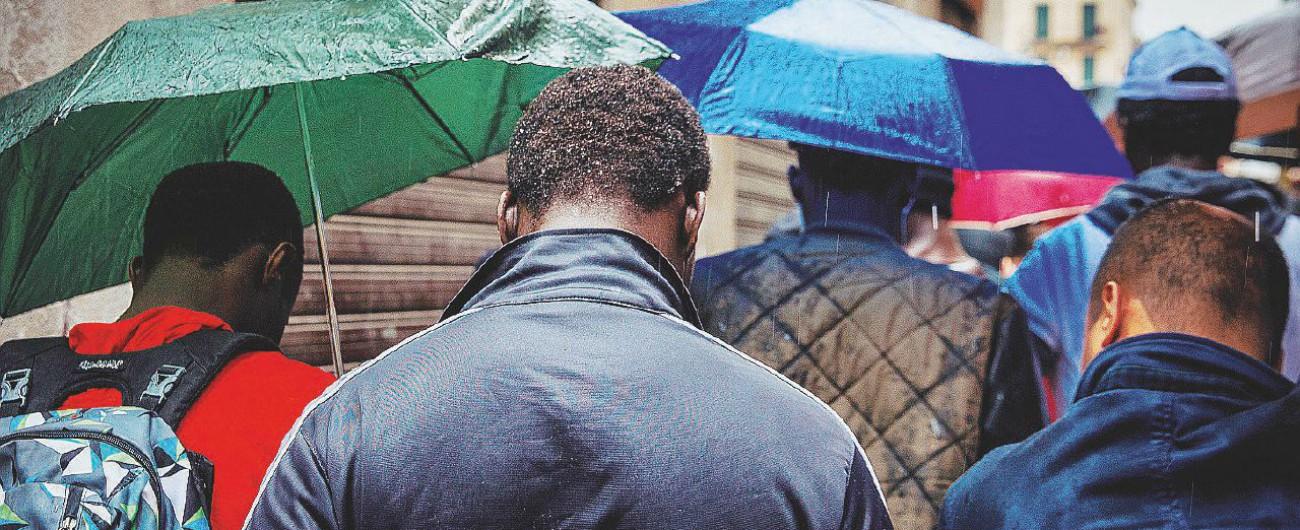 """Mafia nigeriana, svelato il rito di affiliazione: """"Se tradisco la confraternita un avvoltoio mi strapperà gli occhi"""""""