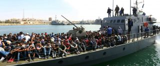 """Migranti, le ong: """"Guardia costiera libica non risponde al telefono"""". La prova del Fatto.it: risposta solo dopo 5ª chiamata. Un'eternità in caso di emergenza in mare"""