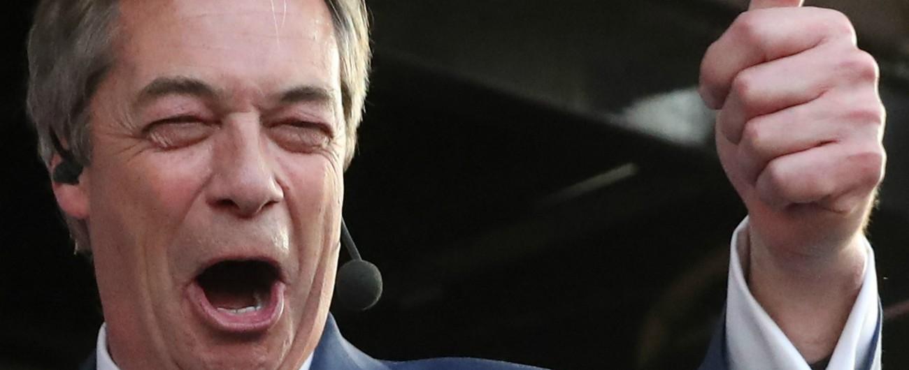 """Farage, l'anti-Ue con poltrona a Bruxelles: """"Mi candido da capolista alle europee"""""""