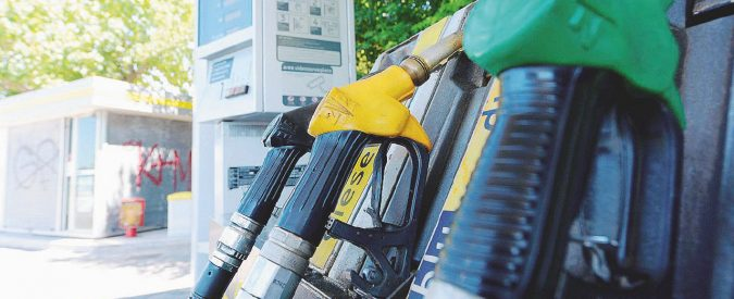 Benzina, prezzi alle stelle e ora arrivano altri aumenti