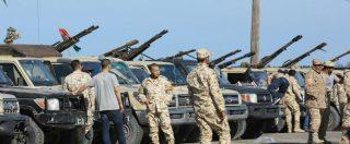 """Libia, lascia il n.2 del governo di Tripoli. Al Sarraj bombarda base di Al Wattiyah. Media: """"Haftar ha ripreso l'aeroporto"""""""