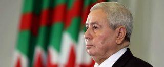 Algeria, Bensalah presidente ad interim dopo dimissioni di Bouteflika: studenti in rivolta, scontri con la polizia
