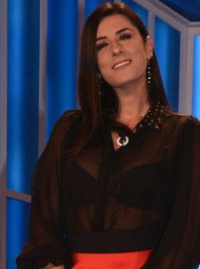 """Valentina Vignali, i follower la attaccano: """"Sei ingrassata troppo"""". Lei risponde: """"Io tornerò come prima, voi con la vostra stupidità…"""""""