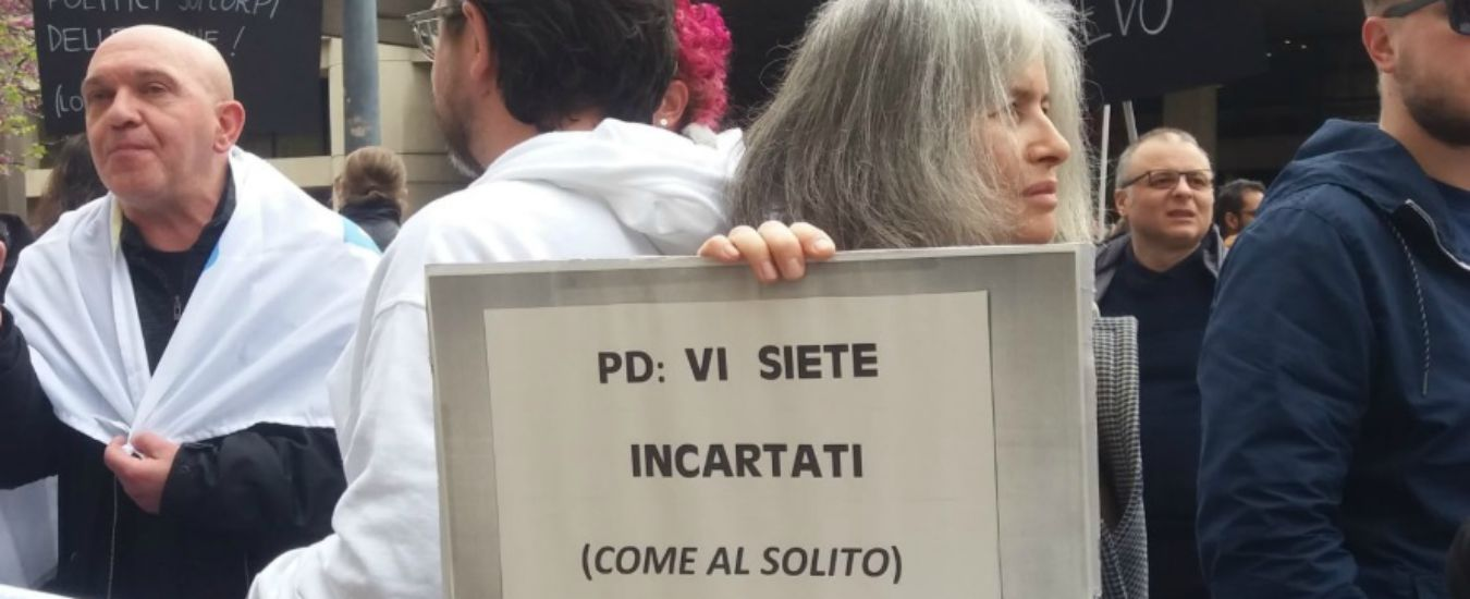 Bologna, Pd si spacca su legge contro omofobia. E Lega ospita in Regione Congresso famiglie. Protestano associazioni lgbt